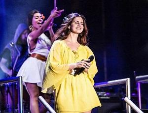 Lana Del Rey uciekła z Coachelli do lasu, żeby nagrać ten utwór